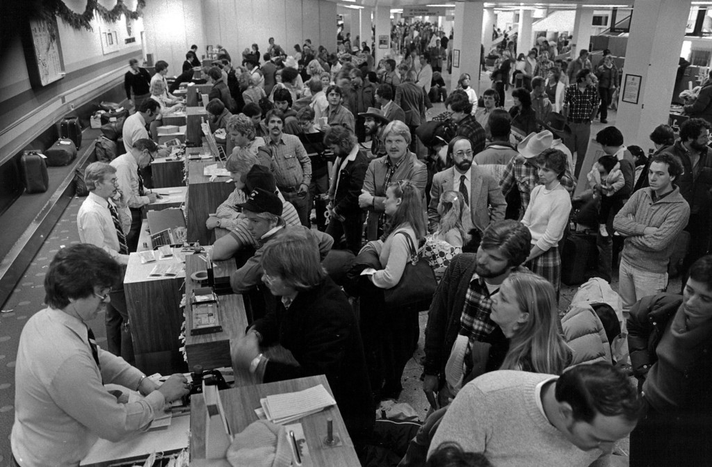. Long lines of travelers at the airport during the Blizzard of \'82. Denver Post Library Archive