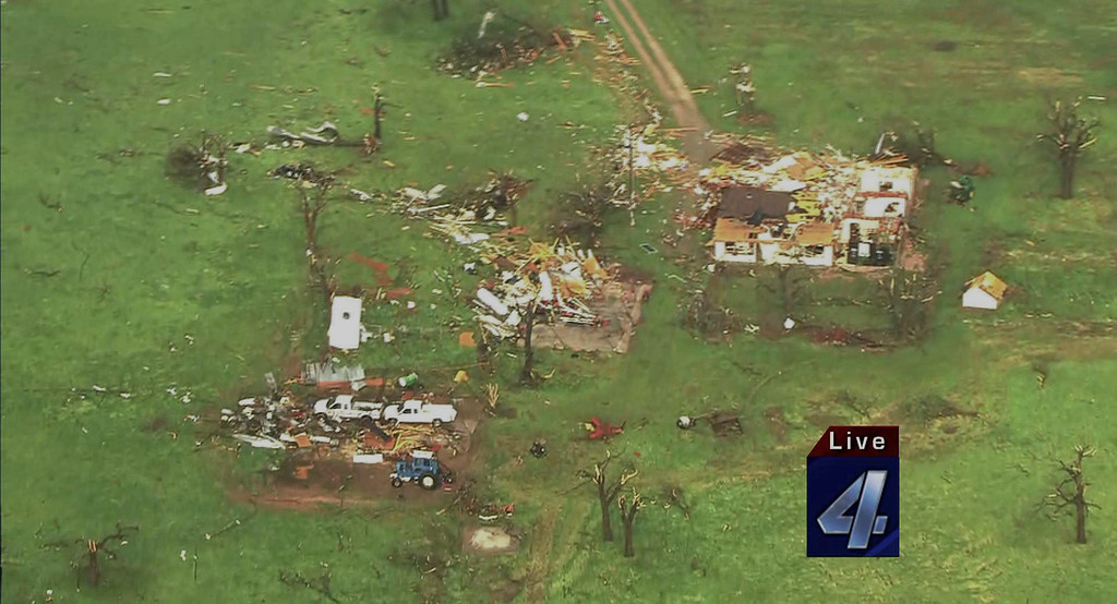 . This imaged obtained courtesy of KFOR-TV shows damaged structures on May 19, 2013 after a tornado ripped through Wellston, Oklahoma. Tornadoes damaged many areas across the state May 19, 2013 and are still forming.  Homes have been destroyed, with the worst damage so far just outside of Wellston.   AFP PHOTO / KFOR-TV