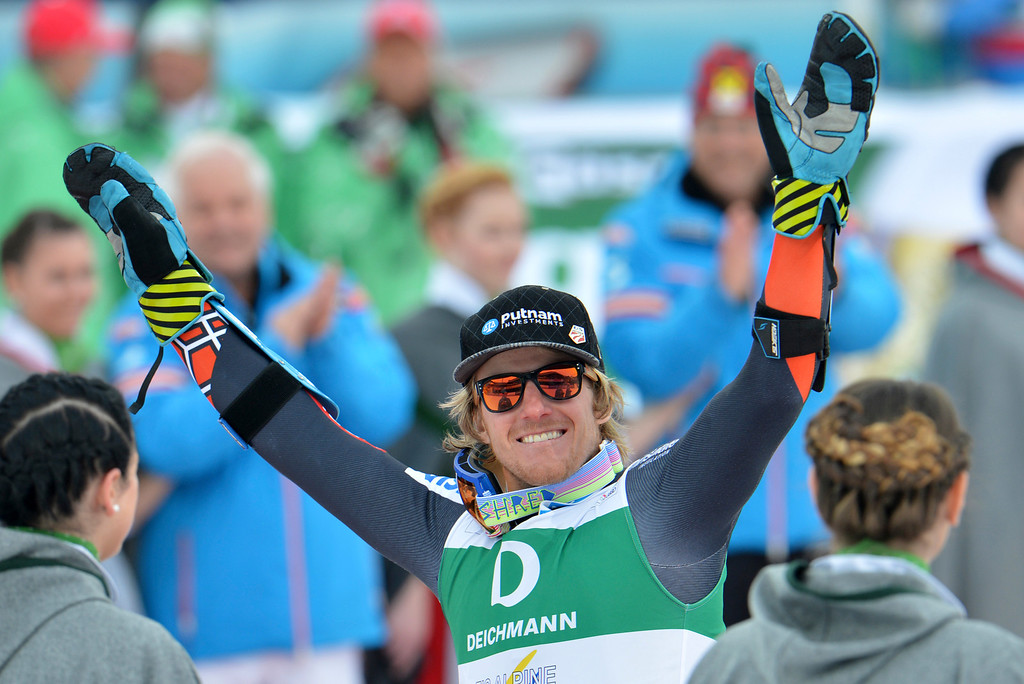 . United States\' Ted�Ligety celebrates winning the gold medal after the men\'s giant slalom  at the Alpine skiing world championships in Schladming, Austria, Friday, Feb. 15, 2013. (AP Photo/Kerstin Joensson)