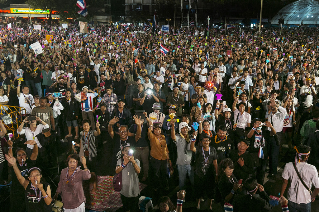 . Anti-government protesters demonstrate in the streets in a bid to oust the current government of Yingluck Shinawatra November 26, 2013 in Bangkok,Thailand.  (Photo by Paula Bronstein/Getty Images)