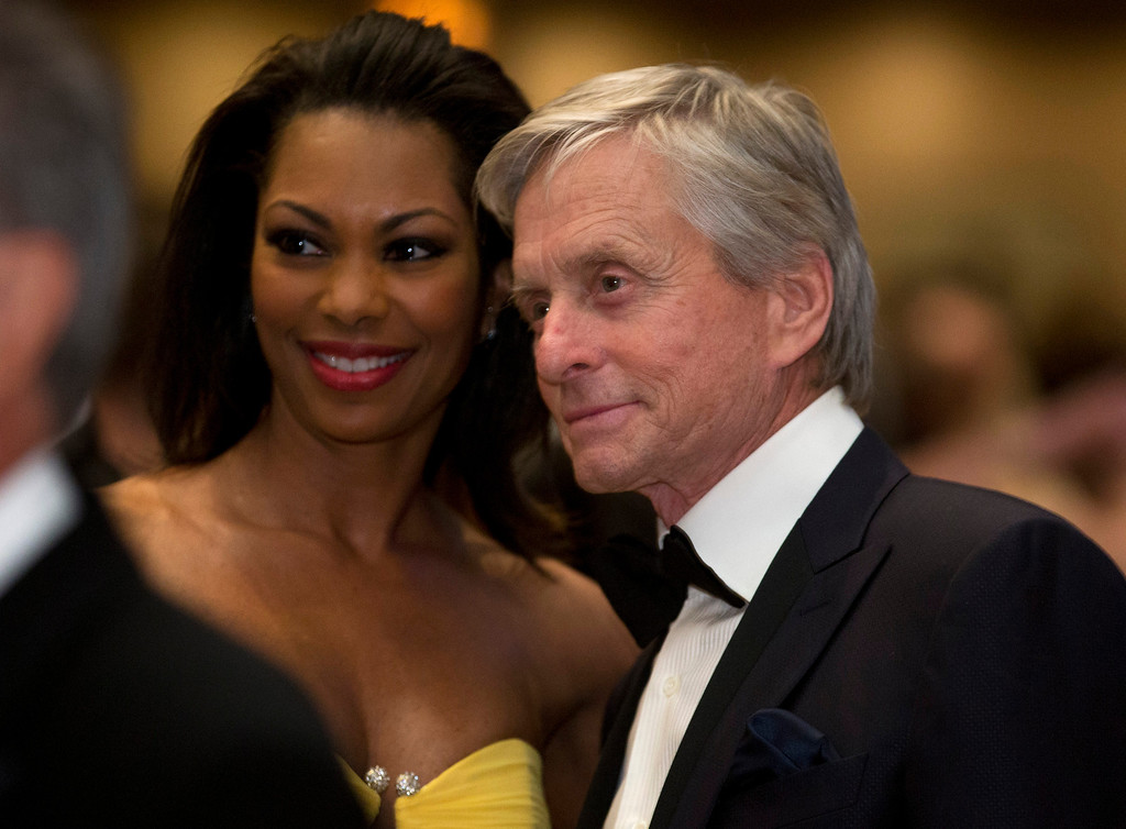 . Michael Douglas poses for a photo during the White House Correspondents\' Association Dinner at the Washington Hilton Hotel, Saturday, April 27, 2013, in Washington.  (AP Photo/Carolyn Kaster)