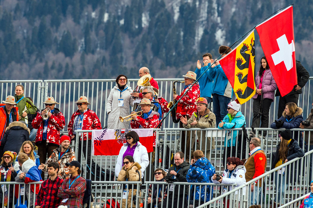 . KRASNAYA POLYANA, RUSSIA  - JANUARY 9:Spectators watch the Men\'s Downhill race at Rosa Khutor Alpine Center during the 2014 Sochi Olympic Games Sunday February 9, 2014. Austria\'s Matthias Mayer won the gold with a time of 2:06.23.(Photo by Chris Detrick/The Salt Lake Tribune)