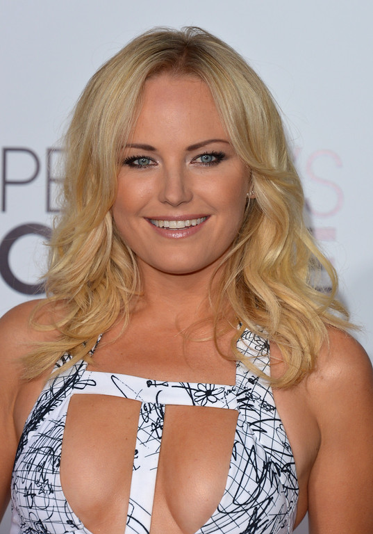 . Malin Akerman arrives at the 40th annual People\'s Choice Awards at Nokia Theatre L.A. Live on Wednesday, Jan. 8, 2014, in Los Angeles. (Photo by John Shearer/Invision/AP)