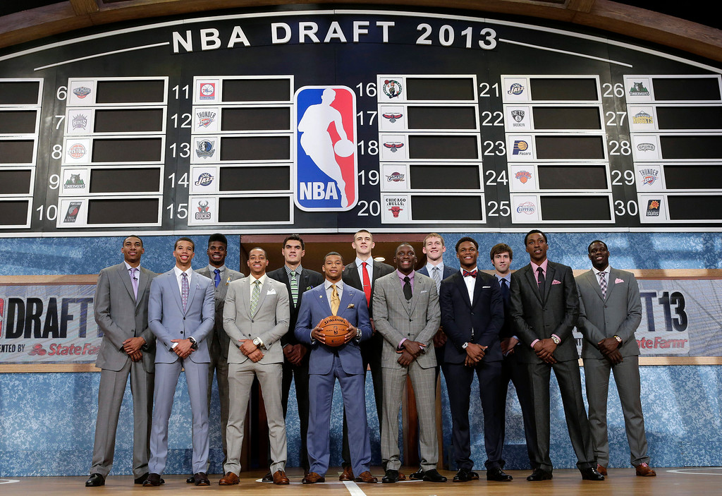 . Members of the 2013 NBA basketball draft class pose together before the first round of the draft, Thursday, June 27, 2013, in New York. (AP Photo/Kathy Willens)