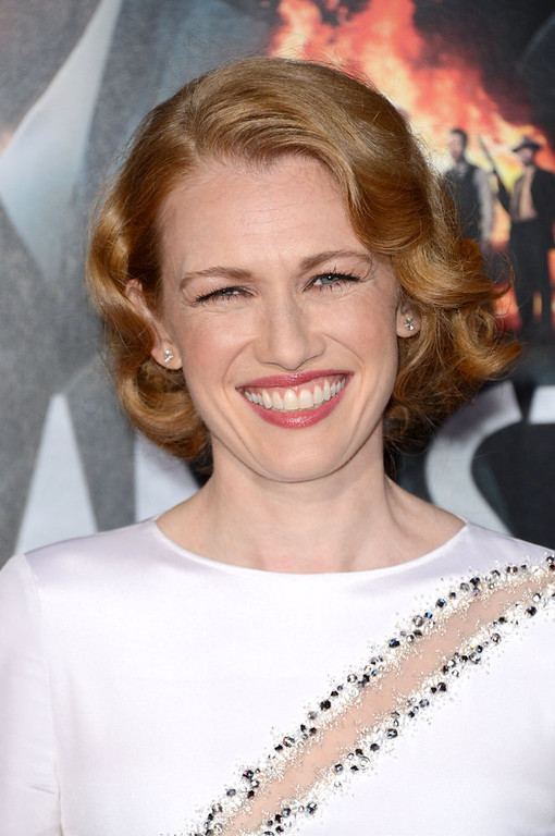 """. Actress Mireille Enos arrives at Warner Bros. Pictures\' \""""Gangster Squad\"""" premiere at Grauman\'s Chinese Theatre on January 7, 2013 in Hollywood, California.  (Photo by Jason Merritt/Getty Images)"""