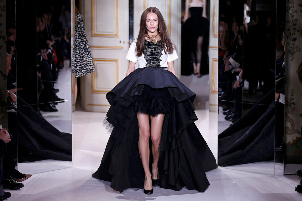 . A model presents a creation by Italian designer Giambattista Valli as part of his Haute Couture Spring-Summer 2013 fashion show in Paris January 21, 2013.  REUTERS/Benoit Tessier