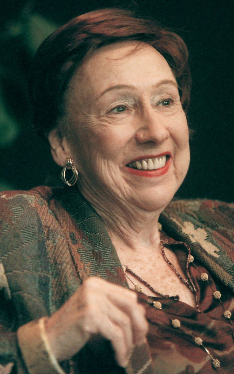 ". In this Nov. 1, 2000 file photo, actress Jean Stapleton smiles during a news conference at Syracuse Stage in Syracuse, N.Y. Stapleton, the stage-trained character actress who played Archie Bunker\'s wife, the sweetly naive Edith, in TV\'s groundbreaking 1970s comedy ""All in the Family,\"" died May 31, 2013. She was 90. (AP Photo/Peter R. Barber)"