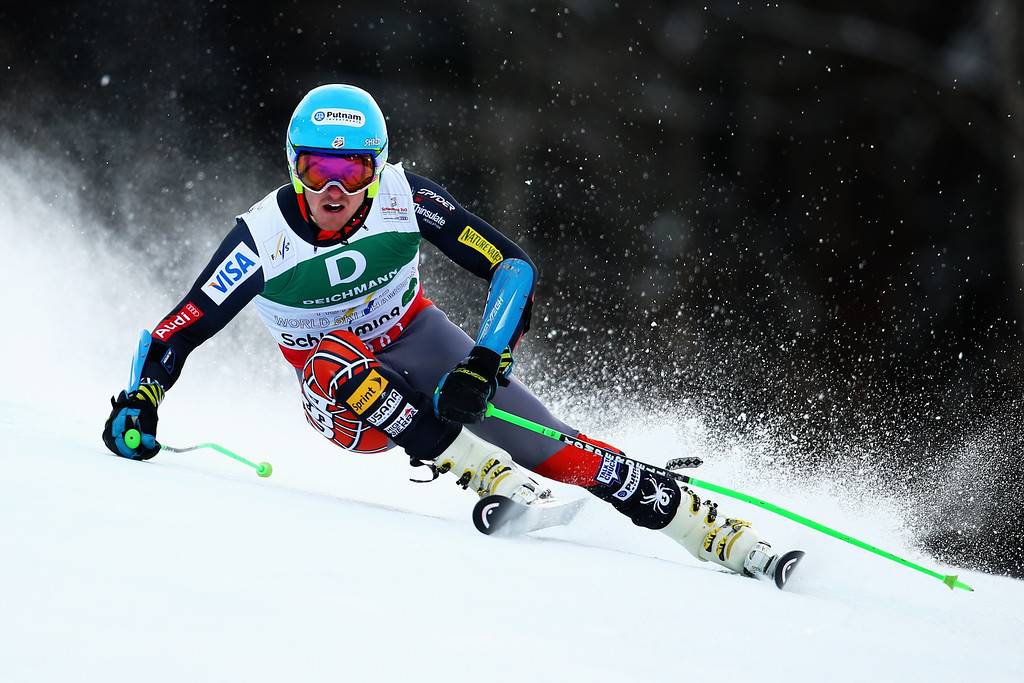 . SCHLADMING, AUSTRIA - FEBRUARY 15:  Ted Ligety of the United States of America skis on his way to winning the Men\'s Giant Slalom during the Alpine FIS Ski World Championships on February 15, 2013 in Schladming, Austria.  (Photo by Clive Mason/Getty Images)