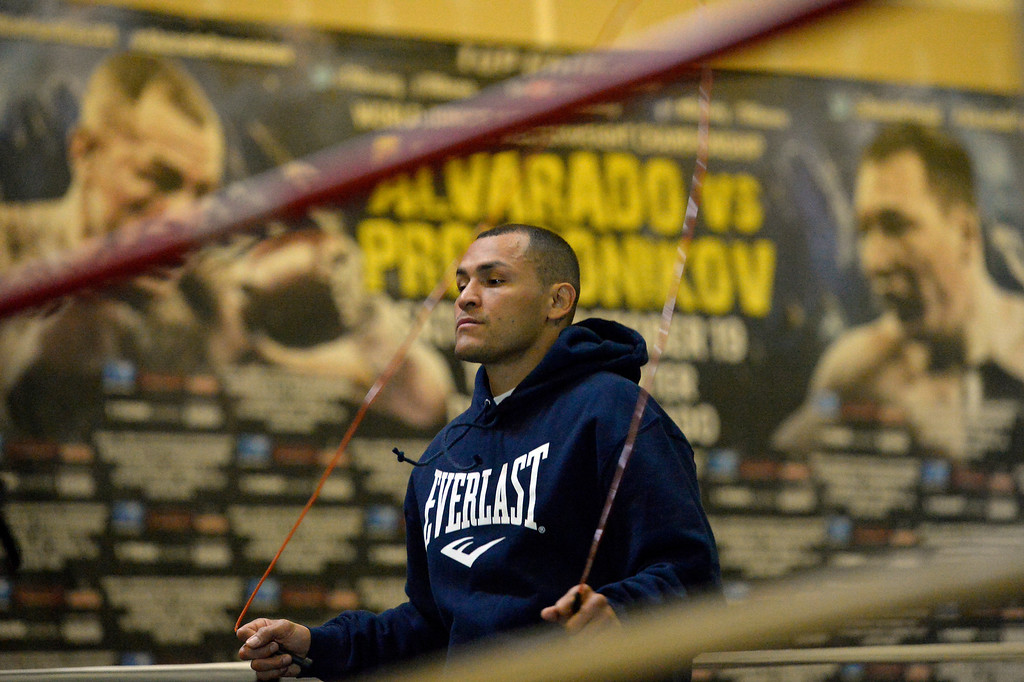 """. DENVER, CO - OCTOBER 15: Colorado\'s only reigning Champion \""""Mile High\"""" Mike Alvarado skips rope during a media workout day at Delgado\'s Gym October 15, 2013 as he gets ready for his fight with the Ruslan Provodnikov at 1st Bank Center. (Photo by John Leyba/The Denver Post)"""