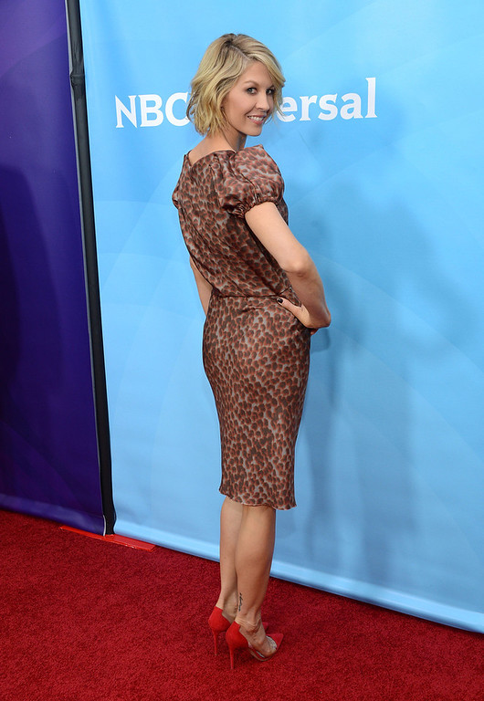 ". Jenna Elfman attends NBCUniversal\'s ""2013 Winter TCA Tour\"" Day 1 at Langham Hotel on January 6, 2013 in Pasadena, California.  (Photo by Jason Kempin/Getty Images)"