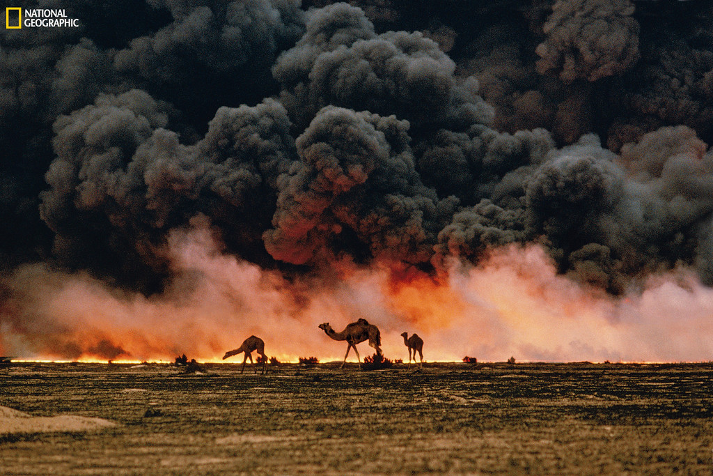 . 532803 STEVE MCCURRY / National Geographic Oil Fields, Kuwait, 1991 Christie�s Auction: TIMELESS: NATIONAL GEOGRAPHIC AS CELEBRATED BY TASCHEN BOOKS www.christies.com/natgeo