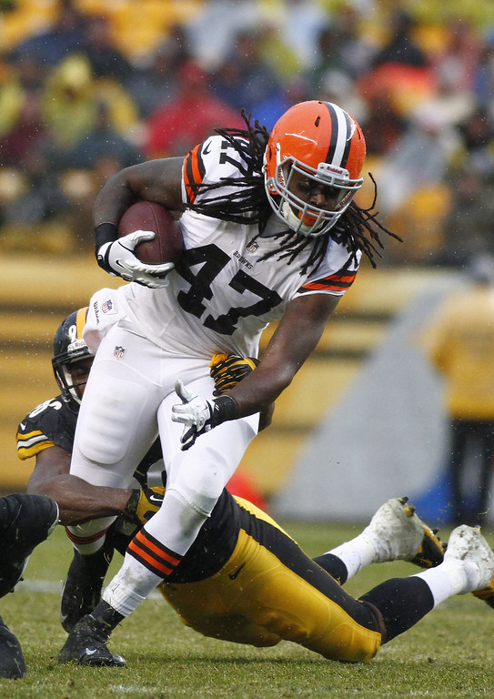 . MarQueis Gray #47 of the Cleveland Browns rushes against the Pittsburgh Steelers during the game on December 29, 2013 at Heinz Field in Pittsburgh, Pennsylvania.  (Photo by Justin K. Aller/Getty Images)