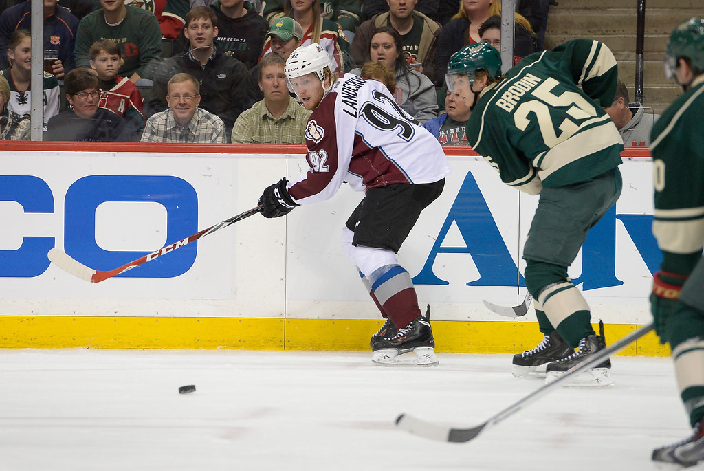 . Colorado Avalanche left wing Gabriel Landeskog (92) centers a pass during the first period against the Minnesota Wild April 24, 2014 at Xcel Energy Center. (Photo by John Leyba/The Denver Post)