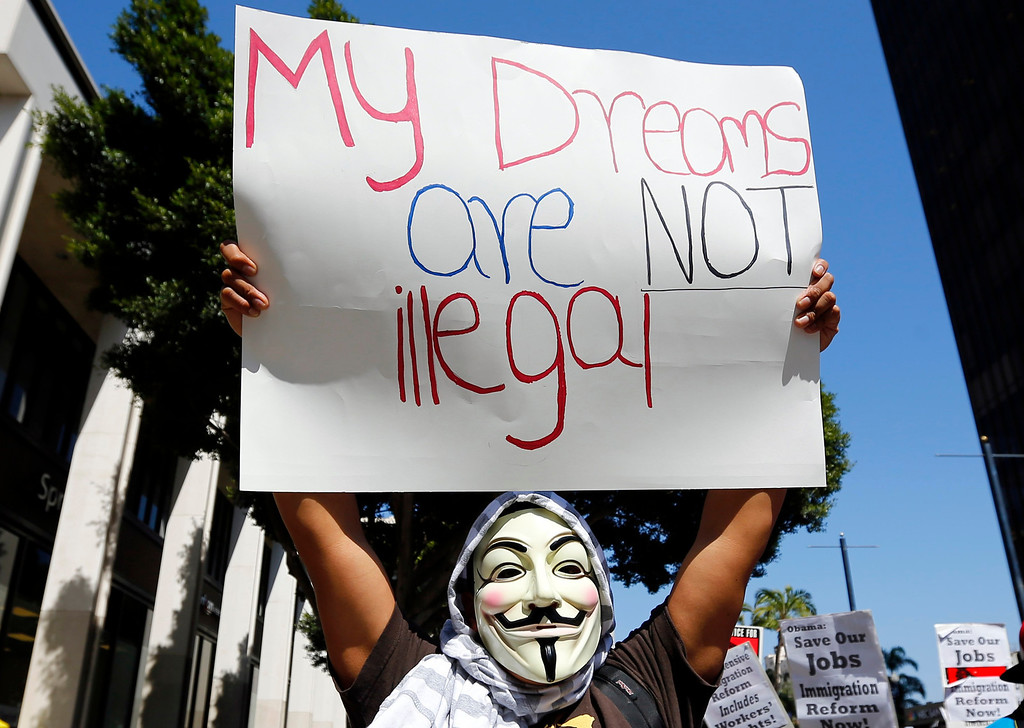 . Students and workers parade through the streets of San Diego, during a May Day demonstration and march in California May 1, 2013. Workers\' rights and immigration reform were supported in the demonstration.  REUTERS/Mike Blake