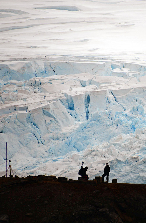 . Scientist work near the Brazilian Comandante Ferraz Antarctic station on March 10, 2014.    AFP PHOTO / VANDERLEI ALMEIDAAFP/Getty Images