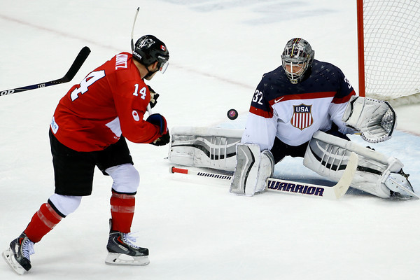 PHOTOS: Men's Hockey Semifinal – Canada vs United States at 2014 Sochi Winter Olympics