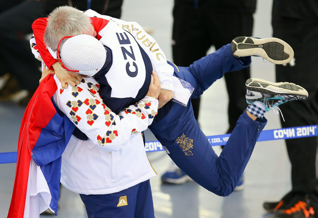 . Silver medallist Martina Sablikova (R) of the Czech Republic celebrates with her coach Petr Novak after the women\'s 3000m Speed Skating event in the Adler Arena at the Sochi 2014 Olympic Games, Sochi, Russia, 09 February 2014.  EPA/HANNIBAL HANSCHKE