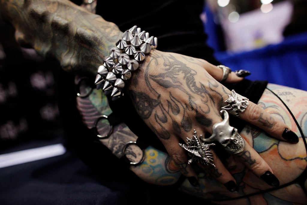 ". Maria Jose Cristerna, a Mexican tattoo artist and former lawyer known as ""Mujer Vampiro\"" (or Vampire Woman), shows her tattoos and accessories during the \""Expo Tatuaje\"" international, a tattoo expo, in Monterrey March 2, 2013. REUTERS/Daniel Becerril"