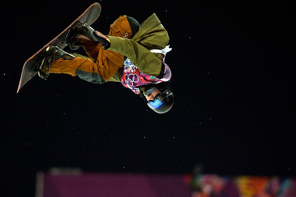 PHOTOS: Mens Snowboard Halfpipe at Sochi 2014 Winter Olympics