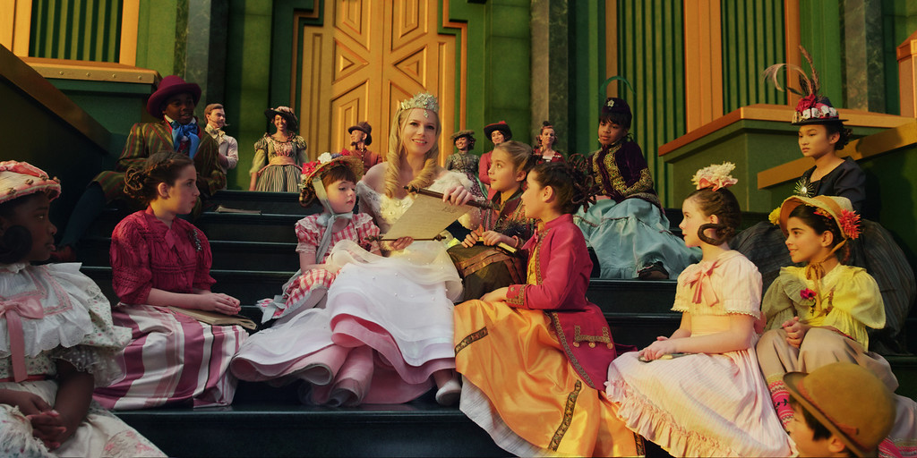 """. \""""OZ: THE GREAT AND POWERFUL\"""" Michelle Williams, center ©Disney Enterprises, Inc. All Rights Reserved..tif"""
