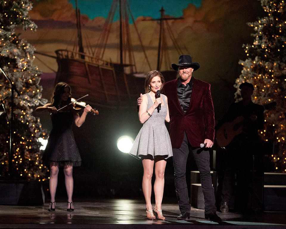 . Alyth McCormack and Trace Adkins perform during the CMA 2013 Country Christmas on November 8, 2013 in Nashville, Tennessee.  (Photo by Erika Goldring/Getty Images)