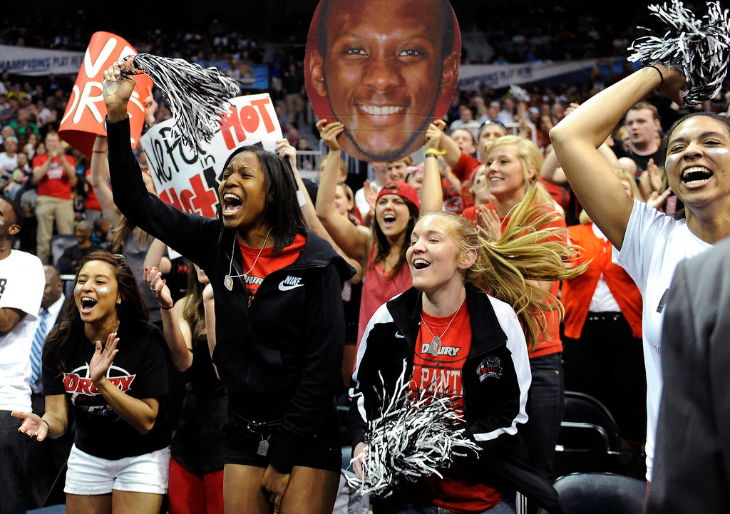 . Drury fans cheer during the second half of the NCAA Division ll national championship college basketball game against Metro State, Sunday, April 7, 2013, in Atlanta. Drury won 74-73. (AP Photo/John Amis)
