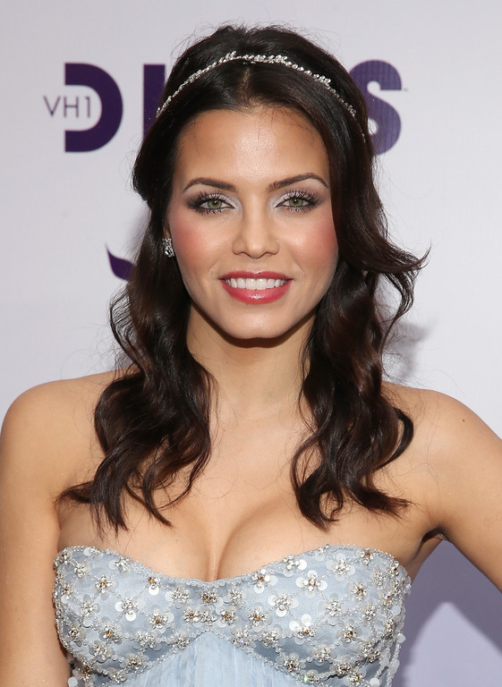 """. LOS ANGELES, CA - DECEMBER 16:  Actress Jenna Dewan-Tatum attends \""""VH1 Divas\"""" 2012 at The Shrine Auditorium on December 16, 2012 in Los Angeles, California.  (Photo by Christopher Polk/Getty Images)"""