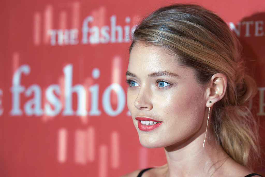 . NEW YORK, NY - OCTOBER 22:  Model Doutzen Kroes attends the 30th Annual Night Of Stars presented by The Fashion Group International at Cipriani Wall Street on October 22, 2013 in New York City.  (Photo by Dave Kotinsky/Getty Images)