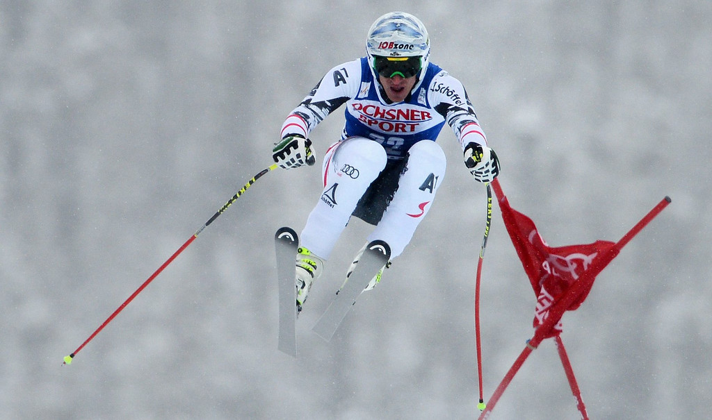 . Matthias Mayer, of Austria, in action during the Men\'s Super-G race at the FIS Alpine Skiing World Cup in Beaver Creek, Colorado, USA, 07 December 2013.  EPA/JUSTIN LANE