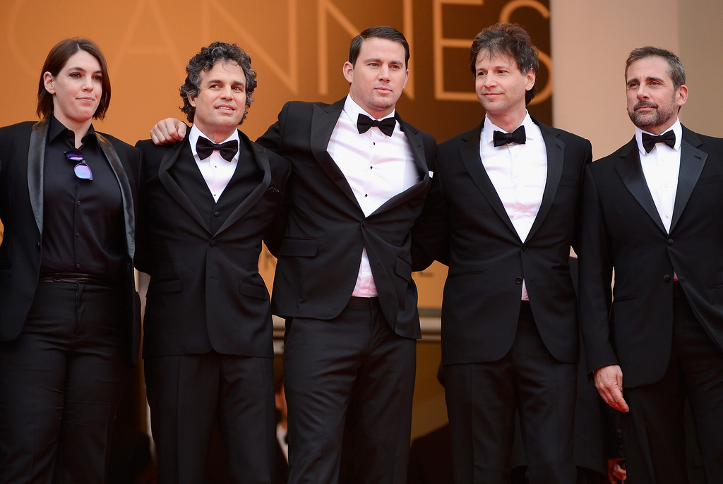 ". (L-R) Megan Ellison, Mark Ruffalo, Channing Tatum, director Bennett Miller and Steve Carell attend the ""Foxcatcher\"" premiere during the 67th Annual Cannes Film Festival on May 19, 2014 in Cannes, France.  (Photo by Ian Gavan/Getty Images)"