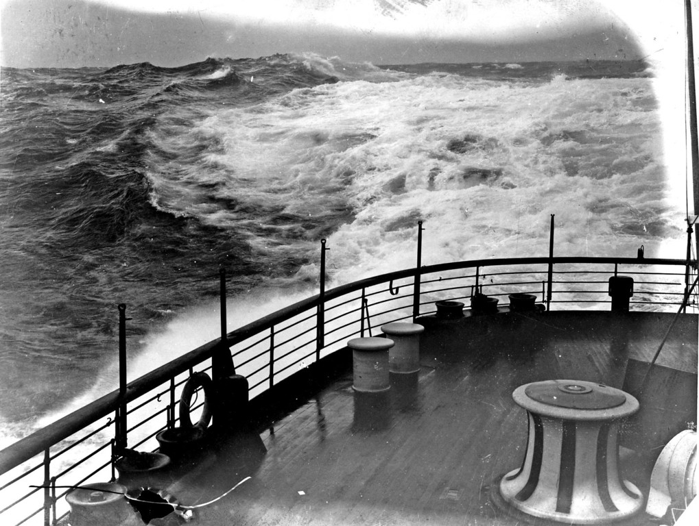 . June 1st , 1912:  Rough seas seen from the deck of the Cunard liner \'Lusitania\'.  (Photo by Topical Press Agency/Getty Images)