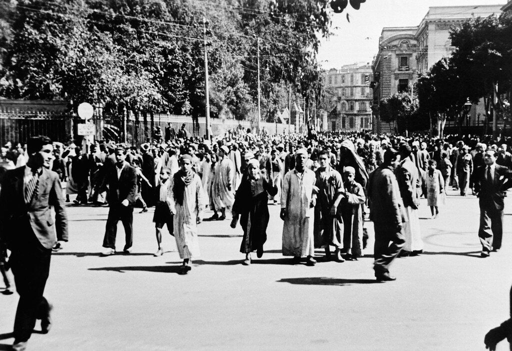 . This is a general view of a demonstration taking place at Opera Square in Cairo, Egypt, Jan. 25, 1952. (AP Photo/Stanislav Yavorsky)