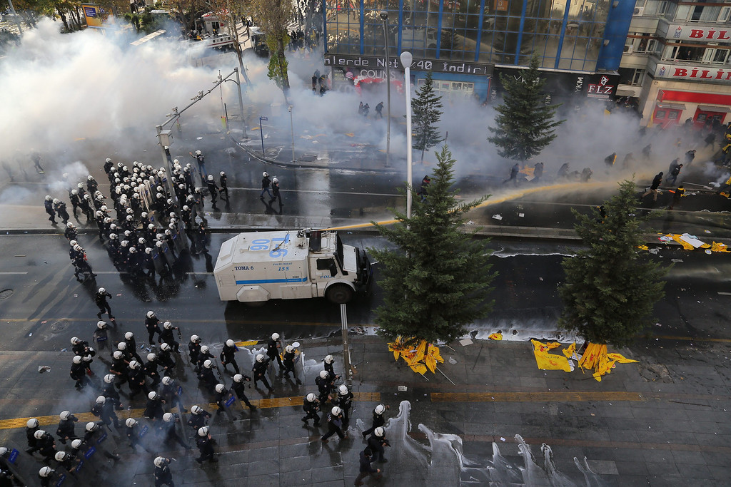 . Turkish riot police use a water cannon to disperse protesting teachers during an anti government rally in Ankara, Turkey 23 November 2013.  EPA/CEM OKSUZ ANADOLU AGENCY