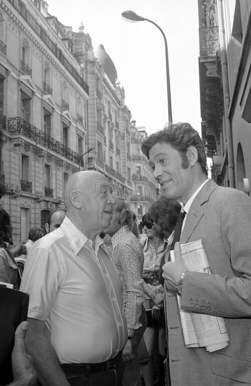". Actor Peter O\'Toole, right, speaks to film director Otto Preminger, during shooting of ""Rosebud\"" in Paris, France on July 27, 1974. O\'Toole, the charismatic actor who achieved instant stardom as Lawrence of Arabia and was nominated eight times for an Academy Award, has died. He was 81. O\'Toole\'s agent Steve Kenis says the actor died Saturday, Dec. 14, 2013 at a hospital following a long illness.(AP Photo/Eustache Cardenas)"